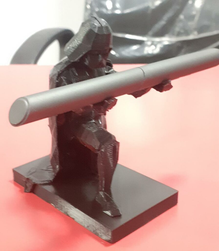 3d-printed-pen-holder-with-starwar-charector